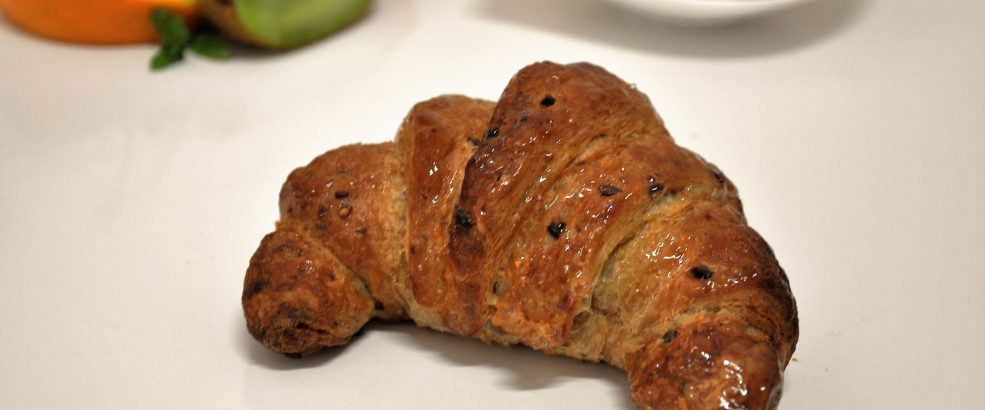 Cereal Croissant(whole wheat flour )